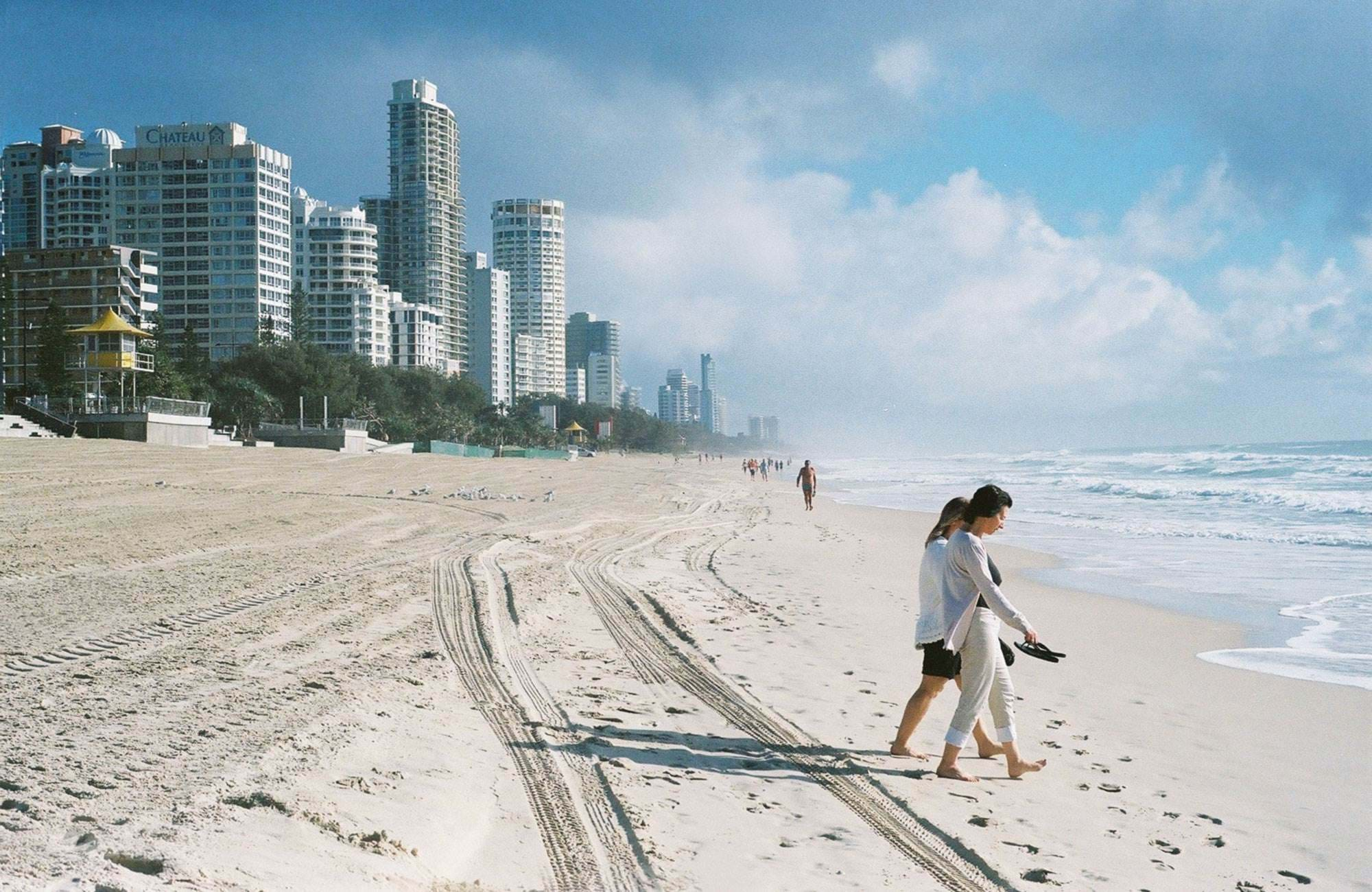australias gold coast and the white sandy beaches