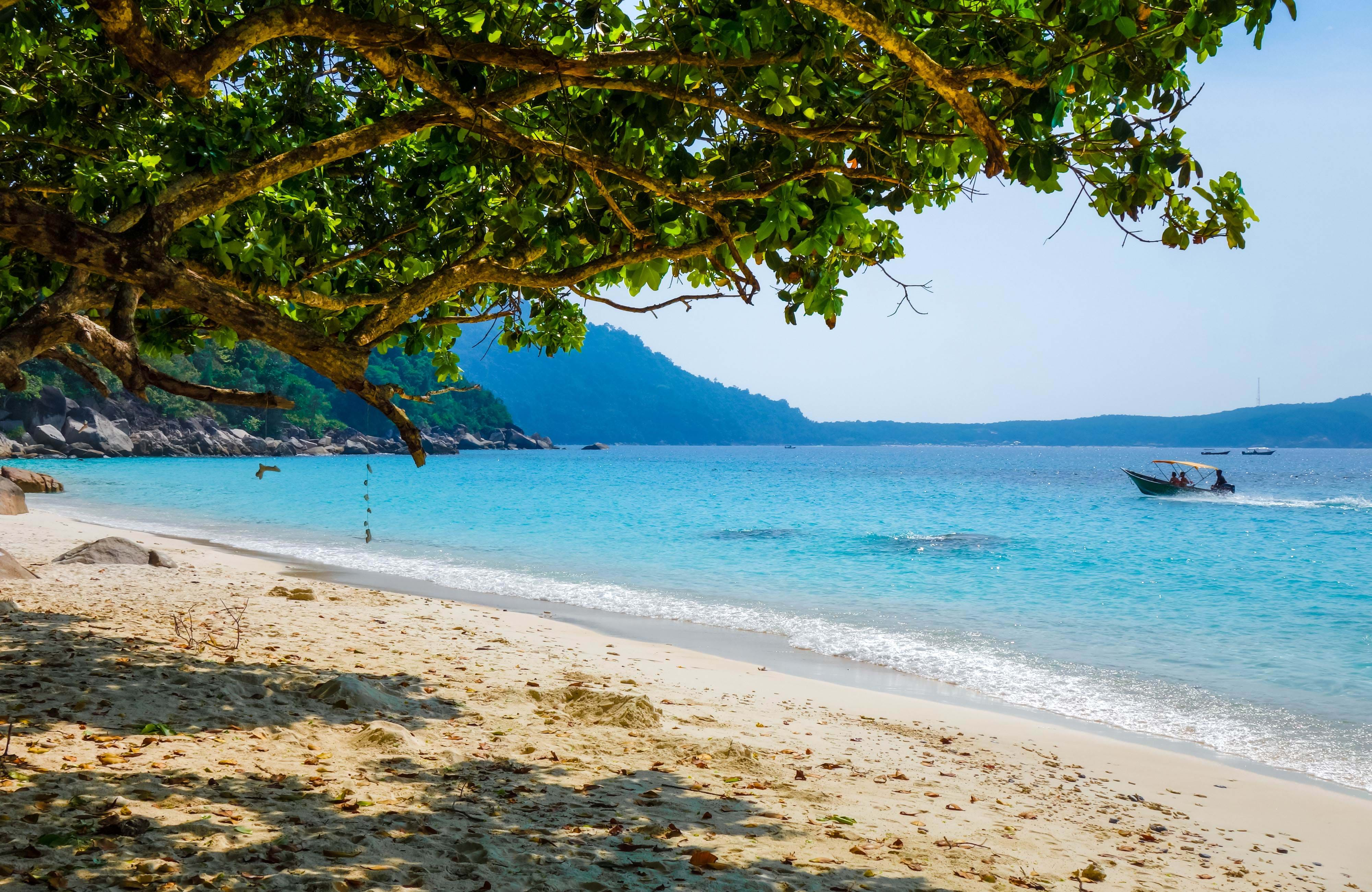 explore perhentian islands in malaysia